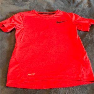 Nike Shirts & Tops - Boys size small Nike tee
